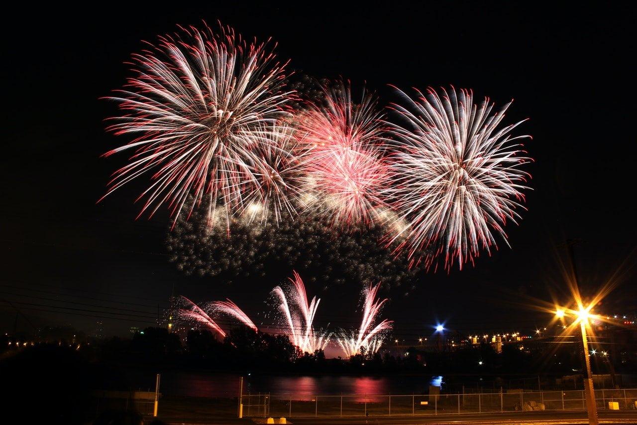 Waldegraves Family Fireworks 6